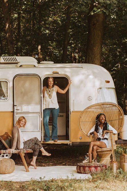 Maryland Editorial Photographers – Retro Airstream Campfire Shoot on a Farm